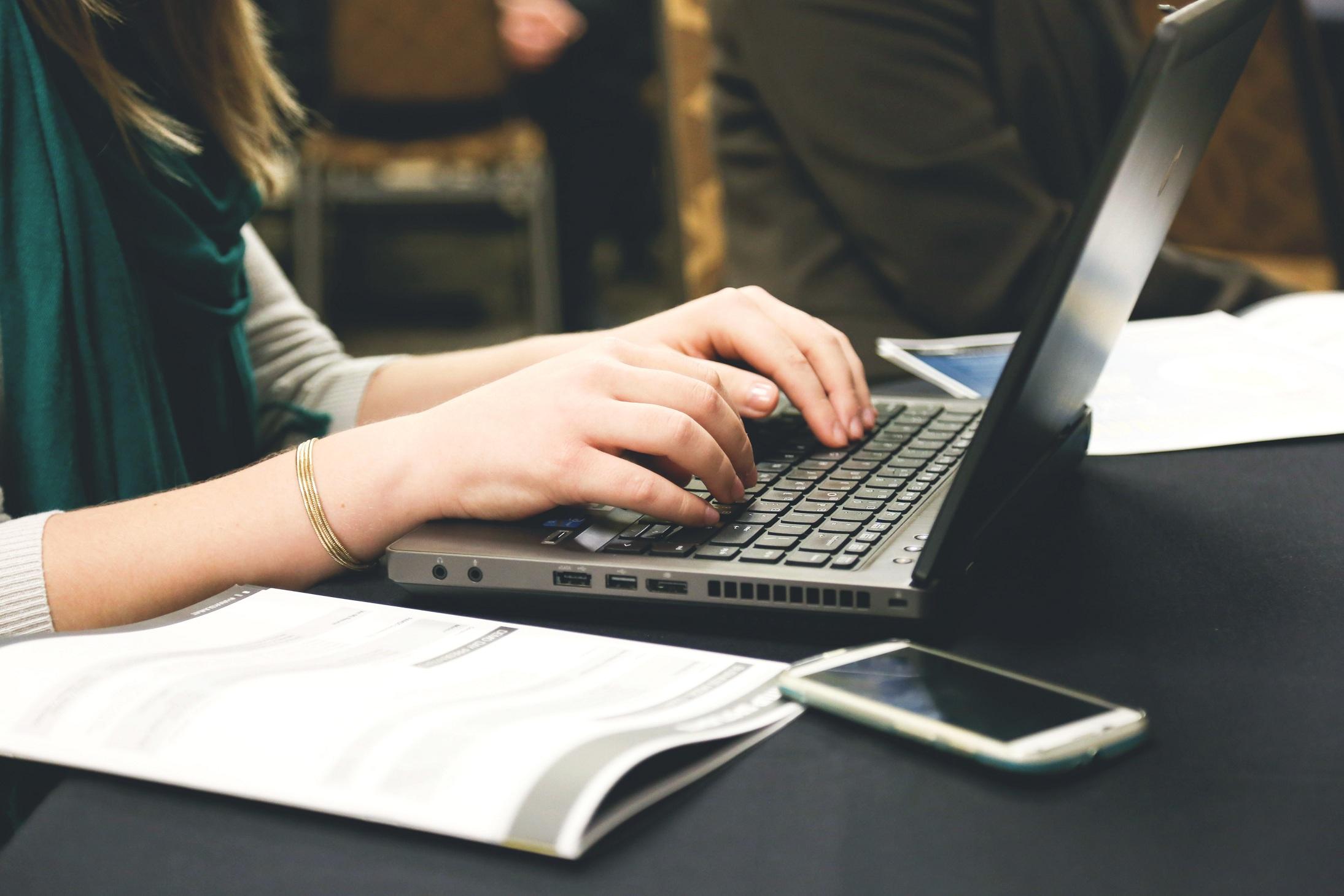 Les smartphones nuisent à la productivité au bureau, selon une étude